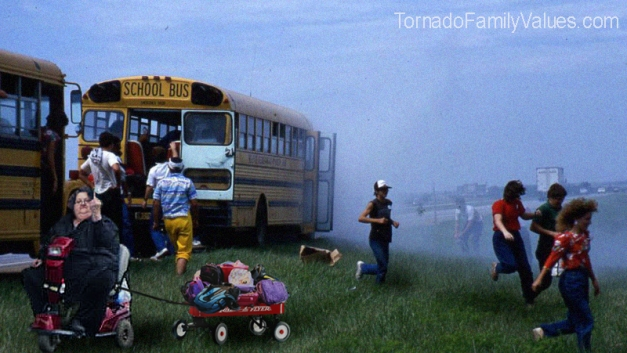 mammy tornado bus